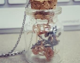 Tiny Bottle Jewlery Tarantula Exoskeleton Keychain Necklace Pendant