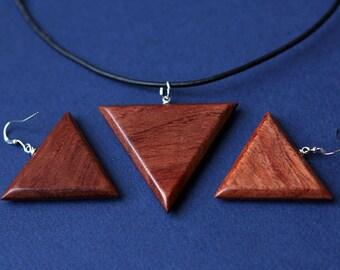 Pendant and earrings from Bubinga wood