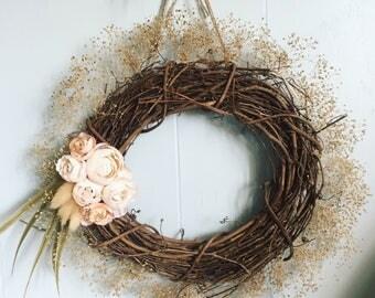 "10"" minimalist spring wreath"