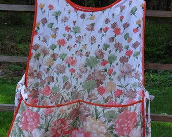 vintage full apron with large pockets