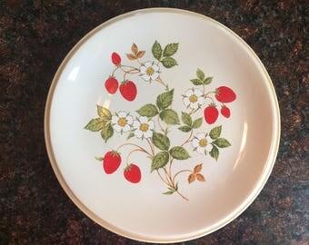 Sheffield Strawberries 'n Cream vintage dinner plate, display, craft item, small chip