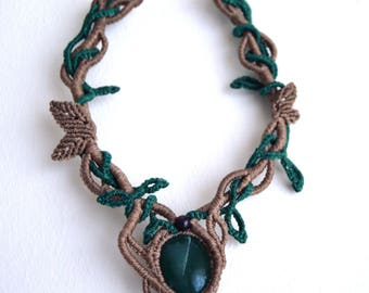 Fairies necklace with green quartz and garnet