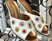Deadstock Vintage 1970's DISCO Wedgie Shoes / 70s White Leather WEDGE High Heels / Size 4.5