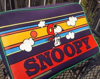 Vintage Snoopy Suitcase 60s Green Trim Softside