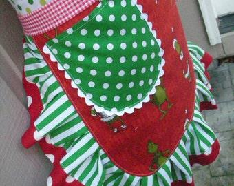 Womens Christmas Aprons - Dr Seuss Aprons - Dr Seuss Grinch Aprons - EtsyAprons - Grinch Christmas Aprons - 1957 Dr. Seuss Enterprises