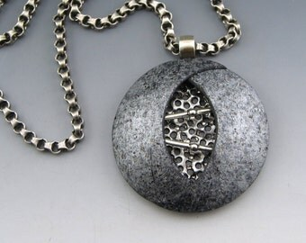 Ying Yang polymer pendant on chain