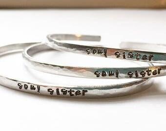 L'âme soeur - rustique tamponné manchette Bracelet en argent, aluminium