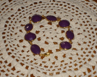 Pretty purple and gold bracelet (lightweight, faceted acrylic stones)