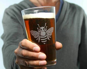 Honey Bee Etched Pint Glass