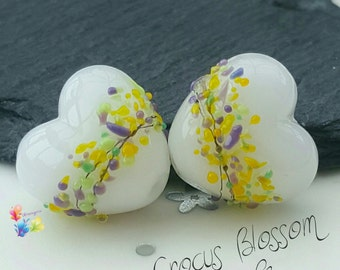 Lampwork Beads Crocus Blossom Heart per bead, spring, purple, yellow, green, opal, white, jewellery supplies jewelry