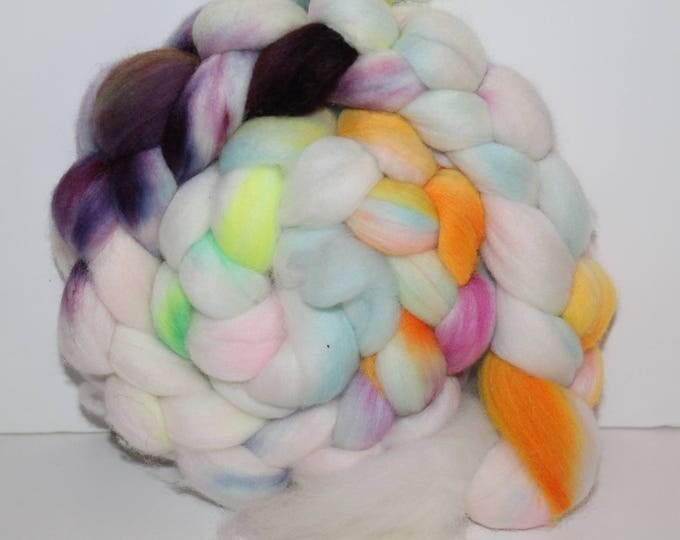 Kettle Dyed Merino Wool Top. Super fine. 19 micron  Soft and easy to spin. 4oz  Braid. Spin. Felt. Roving. M210