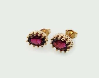 Garnet filigree stud earrings 14k yellow gold