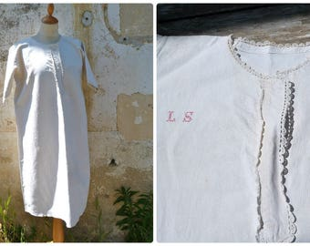 Vintage Antique 1900 /1910 Edwardian French pure linen shirt / nightgown  red cross stitched monogram & cotton lace / size S/M/L