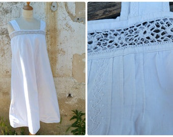 Vintage Antique  French Edwardian 1900 white cotton dress underdress nightgown with crochet lace t flat pleats and embroideries size S/M
