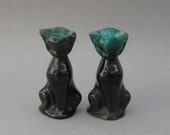 Blue Mountain Pottery Kittens Green Drip Glaze Vintage Cat Figurines Pair Mt. Brydges Canada Souvenir