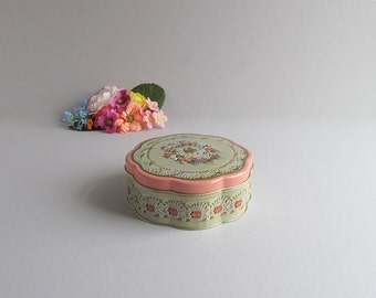 Vintage Tin, Storage Tin, Supply Container, Shabby Cottage Chic Tin Container