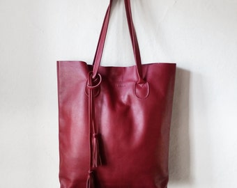 The Essential Tote in Cranberry / Leather Tote Bag  / Red Tote Bag  / Large Tote Bag / Women's Handbag / Red Tote / Red Leather Shopper