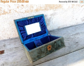 ON SALE 20% Vintage Antique 1890/1900 Victorian  French faded blue velvet case box / sewing box
