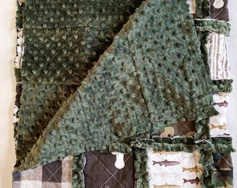 Rustic Quilt - Camo Quilt - Camoflauge Bedding - Bear Bedding - Rustic Bedding - Fish Bedding - Camo Bedding - Camoflauge Baby Gift - Antler