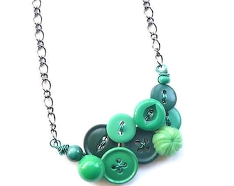 Spring Sale Button Necklace - Vintage Button Jewelry - Small Necklace in Kelly Green Buttons