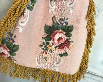 Old French Style pink nubby Barkcloth Floral Purse