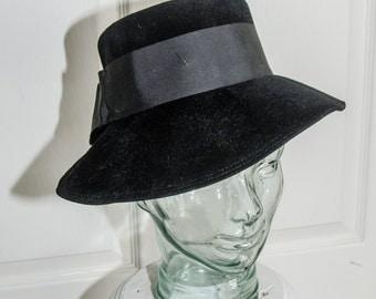 Vintage 1940's Womans Black Felt Fedora with Ribbon