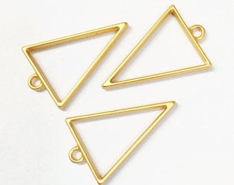 8 Gold plated alloy Triangle  pendant  39x25mm, Matte Gold finished triangle pendant