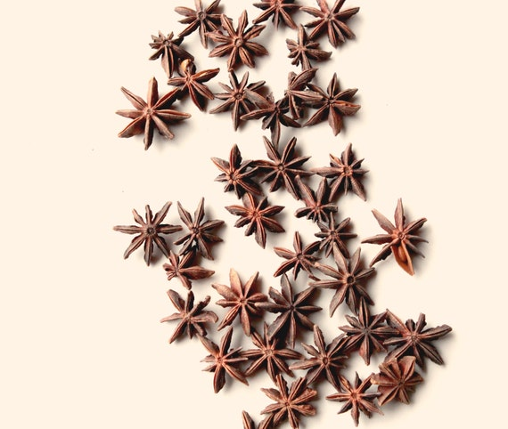 Star anise lot, WHOLE stars, Fragrant spice, Soap making, Wicca, Herb - THREE DOZEN (36)