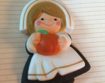 Vintage Thanks giving lapel pin Pilgrim, lady 1983