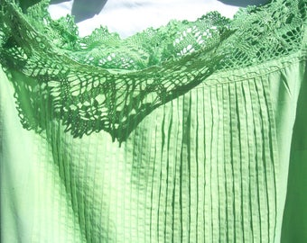 Vintage Cotton Summer Day Dress Apple Green Sleevless Filet Lace