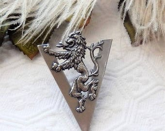 Vintage Sterling Silver Canadian Militaria WWII Victory Brooch Pin