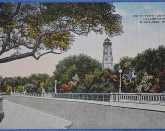 Postcard North Point Lighthouse Lake Park Milwaukee Wisconsin Linen Unused Postcard