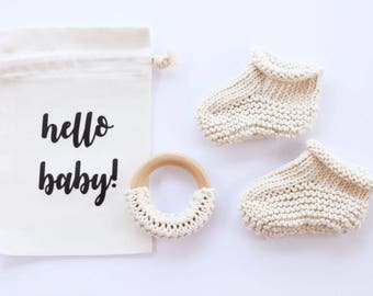 New baby gift, baby reveal, baby announcement, pregnancy, newborn booties, pregnancy reveal, pregnancy announce, new baby, grandparents
