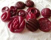 Vintage Buttons - Cottage chic mix of burgundy, lot of 13 old and sweet( feb565 17)