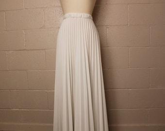 Vintage 1970's White Accordion Maxi Skirt 26 28 waist