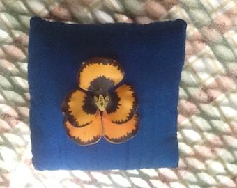 MATTE ORANGE PANSY pin