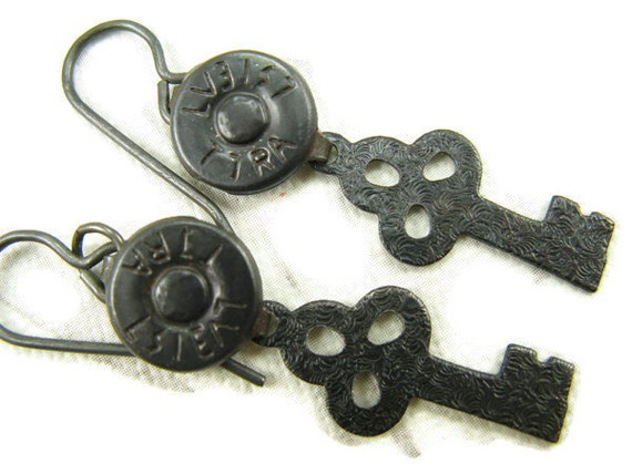 Black Steampunk key and jean rivet earrings