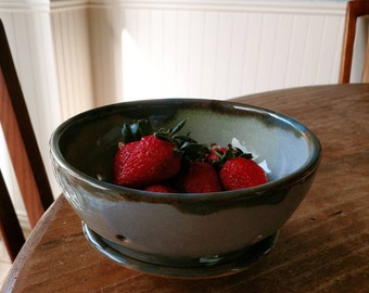 Ceramic berry bowl or colander with serving plate, blue and green
