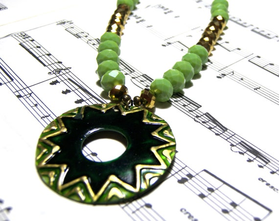 Green Medallion Pendant Crystal Statement Necklace Beaded Jewelry Top Selling Jewelry Womens Pendants Gifts for Women Boho