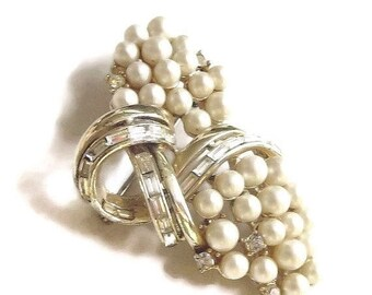 Mid Century Brooch Faux Pearls & Baguette Rhinestones Vintage