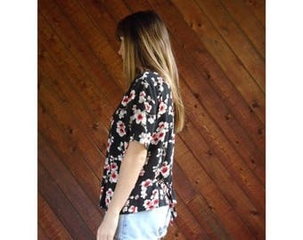 extra 30% off sale . . . Slouchy Floral Printed s/s Blouse Top - Vintage 90s - L