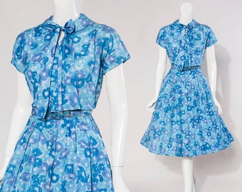 50s blue floral silk Mad Men style dress   keyhole & ascot detail   size small