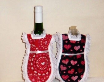 Dish Soap Apron, Bottle Cozy, Mini Kitchen Apron, Bottle Gift  Wrap, Detergent Cover, Pink Red Hearts, Eyelet Lace