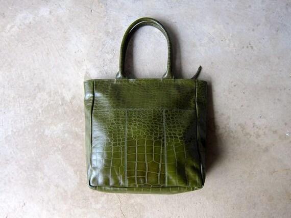 Vintage 90s Large Green Leather Purse Crocodile Embossed Textured Shoulder Bag Tote Double Strap Weekender Bag Carry On Travel Bag DES