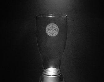 Pan Am 1957 Globe 18 Ounce Pilsner Glass.