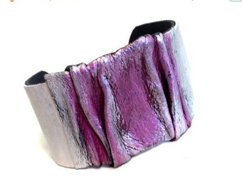 40% OFF Sale Stylish women's leather bracelet Cuff bracelet Leather jewelry Wide women's wristband Leather jewelry Statement jewelry