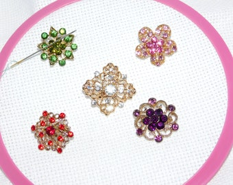 Needle minder for Cross stitch, Tapestry Tool, Embroidery Needle Holder, Large Rhinestone, Pin Keeper, Fridge Magnet, Pattern Holder
