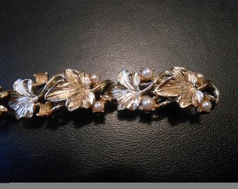 1960s Vintage LISNER Bracelet - Gold Tone Leaves with Faux Pearls