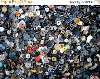 ON SALE 100 Pcs  Vintage Small Button Lot