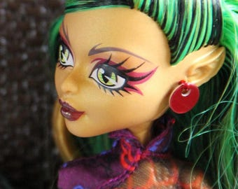1 pair Metal Disc Earrings for all Fashion Dolls Petite Slimline Monster Fairytale  8 colors to Choose from